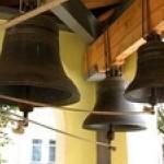 На Волыни в обеденное время бить в церковные колокола