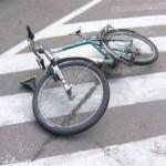 Велосипедист попал в реанимацию из-под колес машины