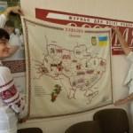 Полсотни волынян вышивали карту Украины